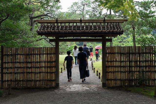 東京駅から25分。駒込にある「六義園」は広大な庭園が魅力の、最高に心落ち着くスポットだった